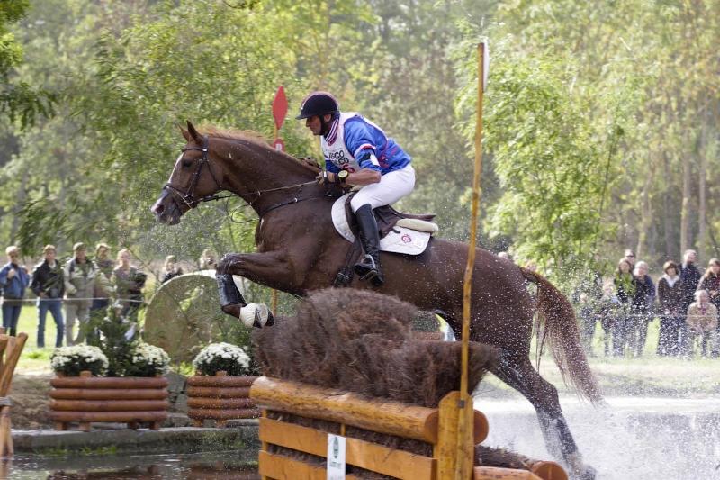 7-ans-2009-cci2-didier-dhennin-encore-une-medaille-le-lion
